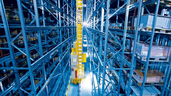 Stacker Cranes for High Bay Warehouses