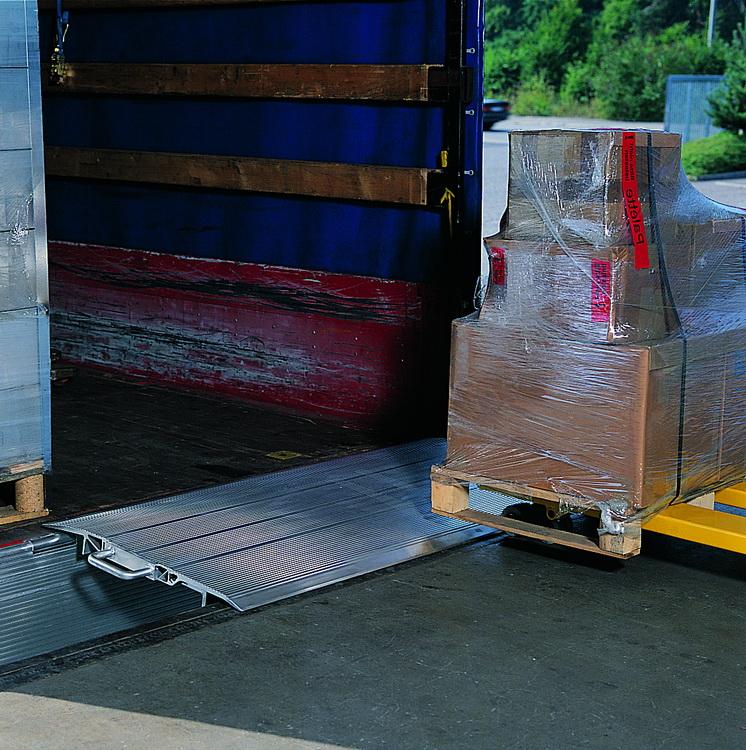 HFB mobile loading ramp
