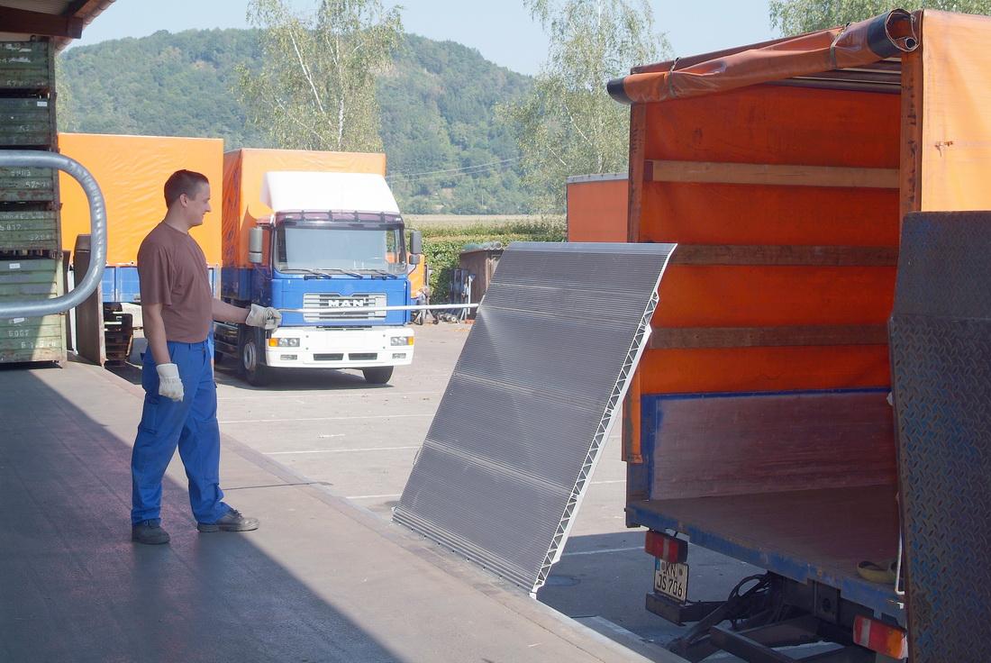 SKB loading ramps